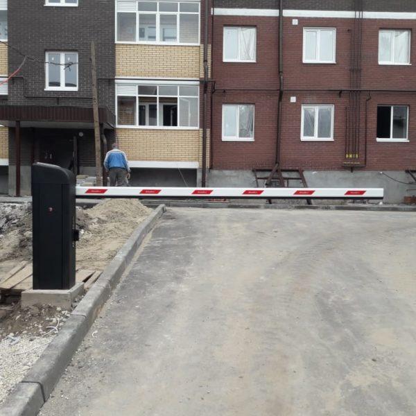 Шлагбаум 3м DoorHan с открыванием через GSM-модуль, Казань
