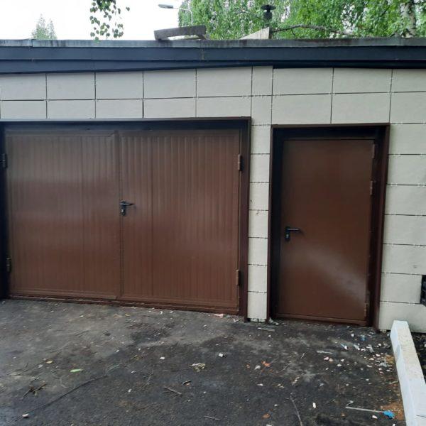 Ворота утепленные из сэнвич-панелей и дверь техническая